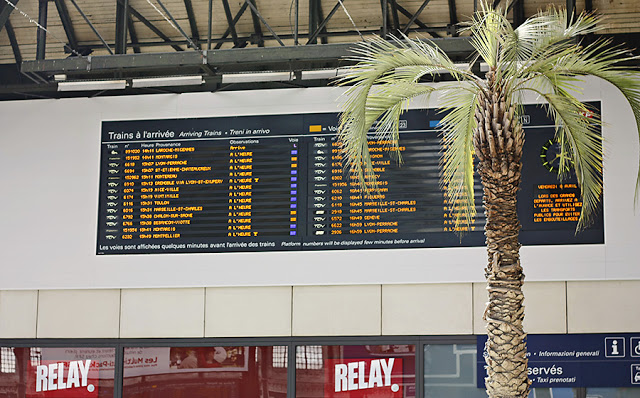 Gare de Lyon arrivals and departures board